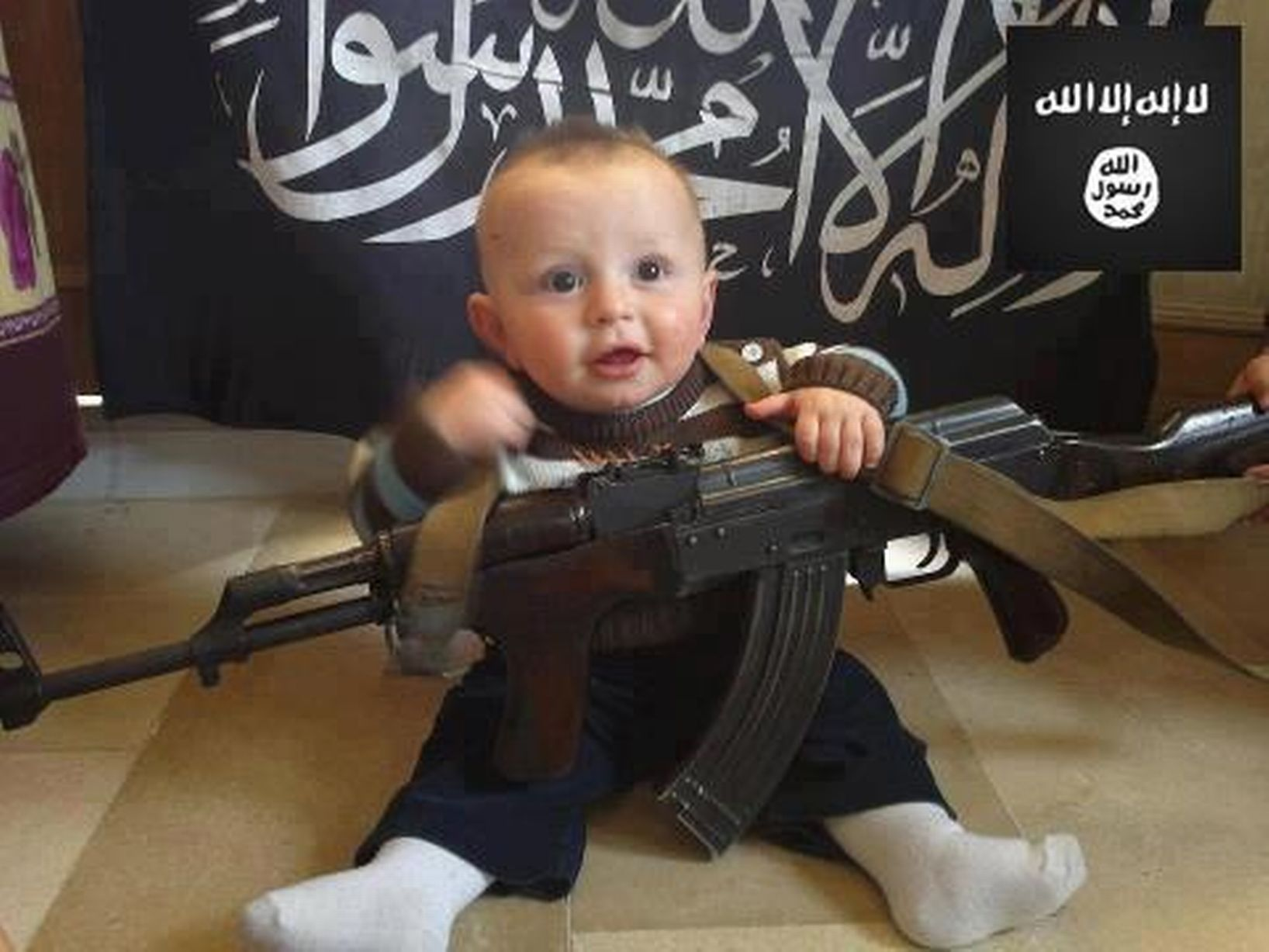 Children-with-weapons